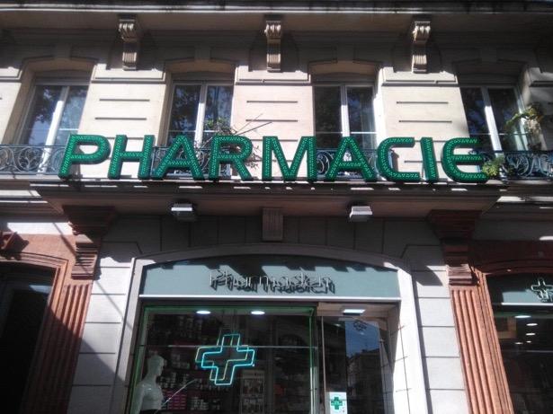 enseigne-lumineuse-pharmacie